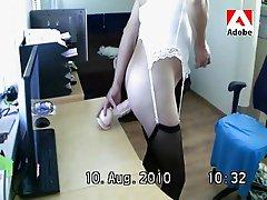 Crossdresser (TVS travo) Sylvia met dildo