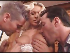 sexedenfer159 - 2 Francais Baisent une Anglaise (Gr-2)