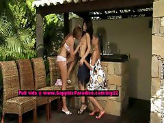 Jaquelin and Billy and Isabella lesbo teen girls licking