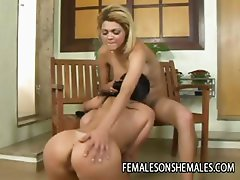 Shemale beauty Giselle Lemos Fucking A Big Ass Babe
