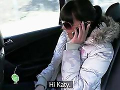 Amateur persuaded by her taxi driver
