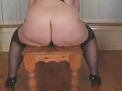 She rides her dildo...