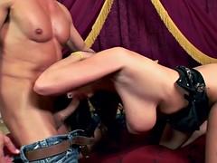 Big booty MILF Gianna Michaels rides a big boner