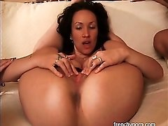 Fingering and toy fucking in lesbian threesome