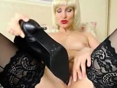 Blonde Mature Play With Her Shoe on Live Cam