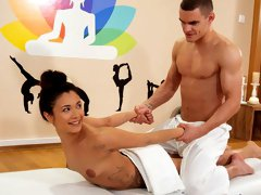 Jade Presley has booked herself a massage with therapist Max Dyor in the Massage Rooms and lying on the table, anticipates the relaxation to come