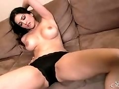 Sunny Leone shaved pubes pussy
