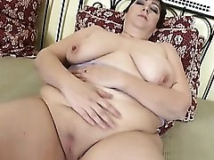 Fat mom with hot hangers has a shaved pussy