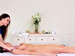 masseuse lesbian rubs