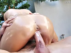 daring brunette ariana marie grools badly on a king sized dick
