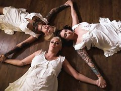Awesome FFFM with Bonnie Rotten, Ivy Lebelle and Ryan Keely