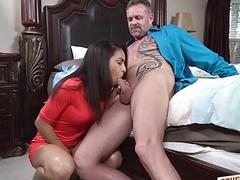 Awesome hot babe Layla London spreading