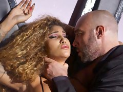 Curly-haired ebony chick Venus Afrodita screwed so freaking good