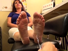 Fascinating amateur milf gets her lovely feet examined