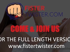 Fistertwister - Fisting lesbians slide the whole hand in