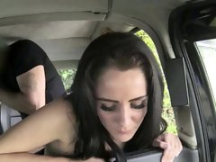 Hot chick gives cab driver a lap dance