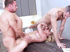 MILF Phoenix Marie's pussy cummed on after MFM threesome fun