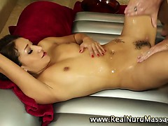 Asian masseuse fuck and facial